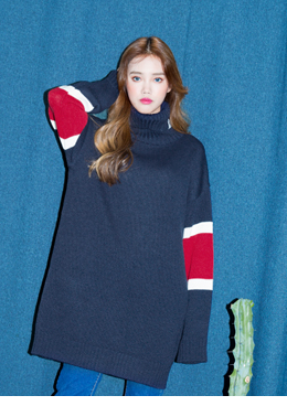 Sleeve point knit one-piece